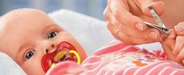 Как подстричь ногти малышу?